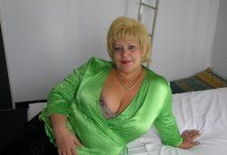 Развратная и пошлая киса хочет жесткого секса с мужчиной в Бийске